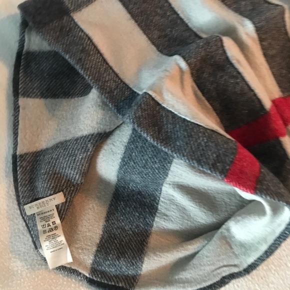 Burberry infinity scarf